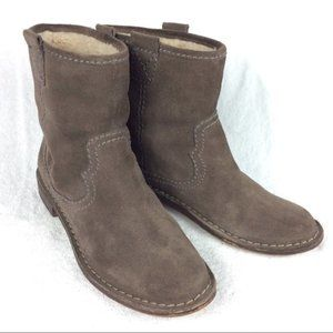 Clarks Suede Ankle Boots 9 Taupe Leather Western